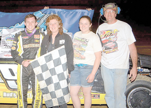 Devin Moran jumped to the lead early and never gave it up, winning the Ultimate Super Late Model Battle of Bluegrass Series at Moler Raceway Park last Friday.